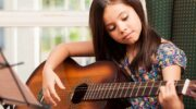 Guitars for children: Which guitar suits my child?