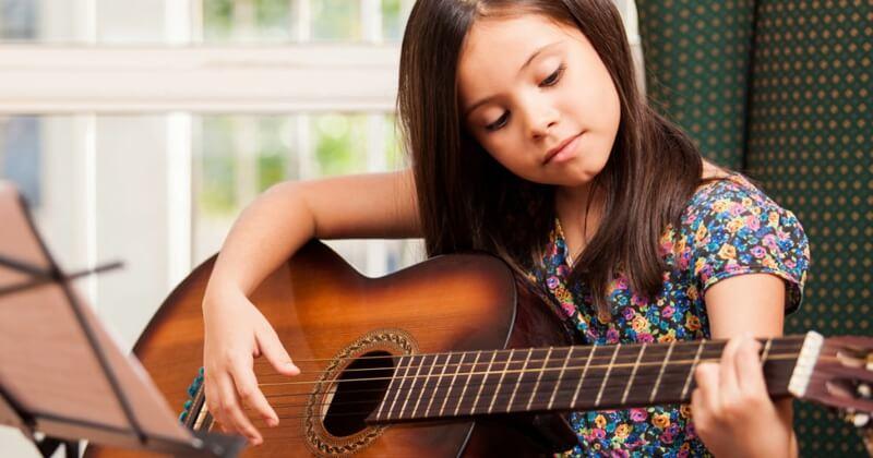big guitars are bad for children