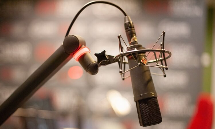 for and against head-over-heels in vocal recording